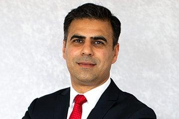 KFZ-Meister und Geschäftsführer Kurosh Rahbari